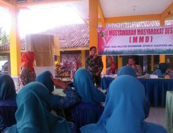 """BABINSA """"Sosialisasikan"""" Program TNI Jamban Sehat Dan RTLH Dalam Musyawarah Masyarakat Desa (MMD)"""
