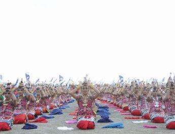 "Heboh…Tarian Kolosal Buka ""Festival Wakatobi Wave 2017"""