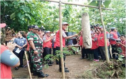 """Gubernur Jawa Tengah """"Kunjungi"""" Ds.Krikilan dan Ds. Ngebung Kec.Kalijambe"""