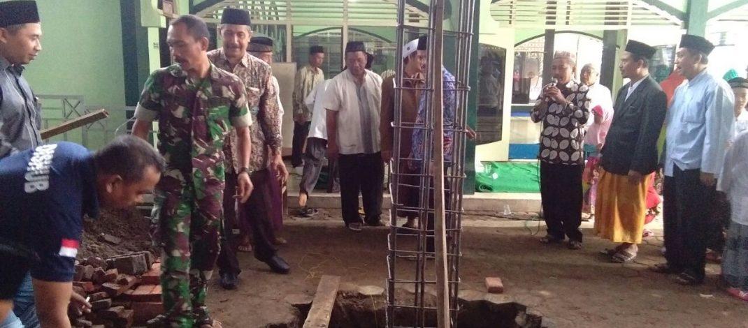 Bati Tuud Koramil 0815/02 Trowulan Hadiri Peletakan Batu Pertama Renovasi Pembangunan Masjid Raden Fatah