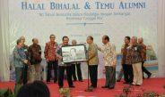 Pakde Karwo Kenang 60 Tahun Kebersamaan Alumni Asrama Bhinneka Tunggal Ika
